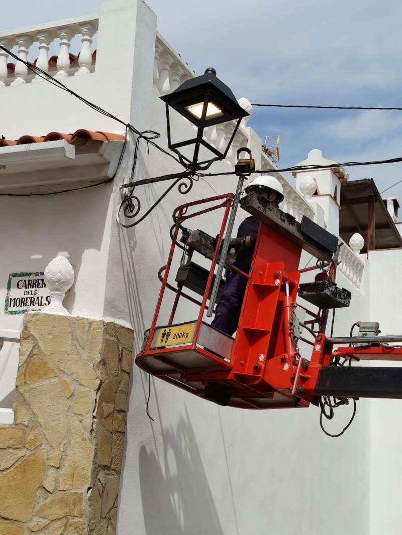 Substitució de les luminàries a Oliva
