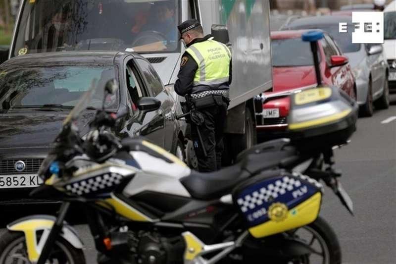 La Policía Local de València ha empezado a hacer controles de tráfico. EFE