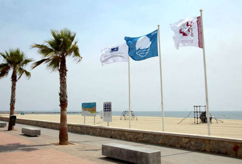 Imagen de archivo de la bandera azul en Puçol