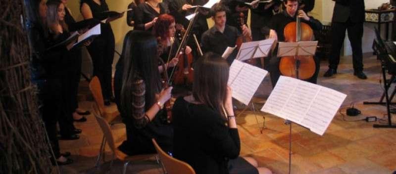 Alumnos del Conservatorio de Torrent actuando en el Andén en ediciones anteriores. EPDA