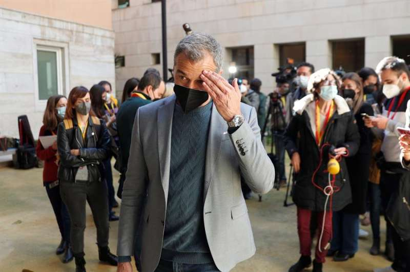 Imagen de archivo de Toni Cantó cuando anunció su marcha de la política tras dimitir de sus cargos en Ciudadanos. EFE