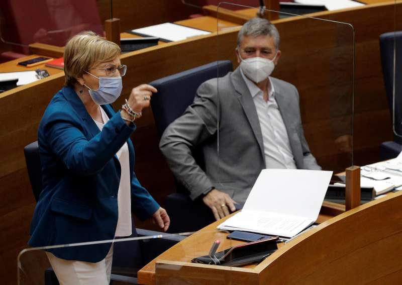 La consellera de Sanidad, Ana Barceló, interviene este jueves en la sesión de control al Gobierno valenciano en el hemiciclo de Les Corts.