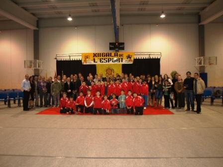 Imagen de grupo de participantes en la gala el deporte. FOTO: EPDA