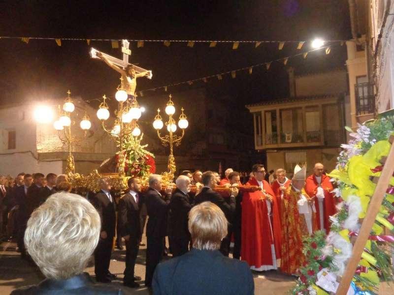 El obispo en la procesión del Santísimo Cristo de la Agonía. J. V. M.