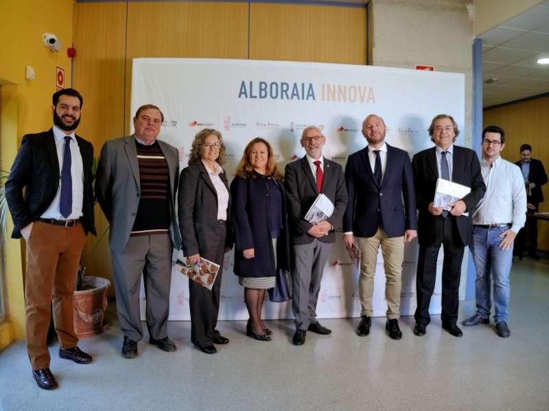 Autoridades asistentes al evento en Alboraya.