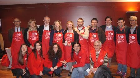 Acto de presentación de la nueva campaña de concienciación de Cruz Roja ?Recetas para un mundo sin hambre?, celebrado hoy en el Mercado Central de Valencia.