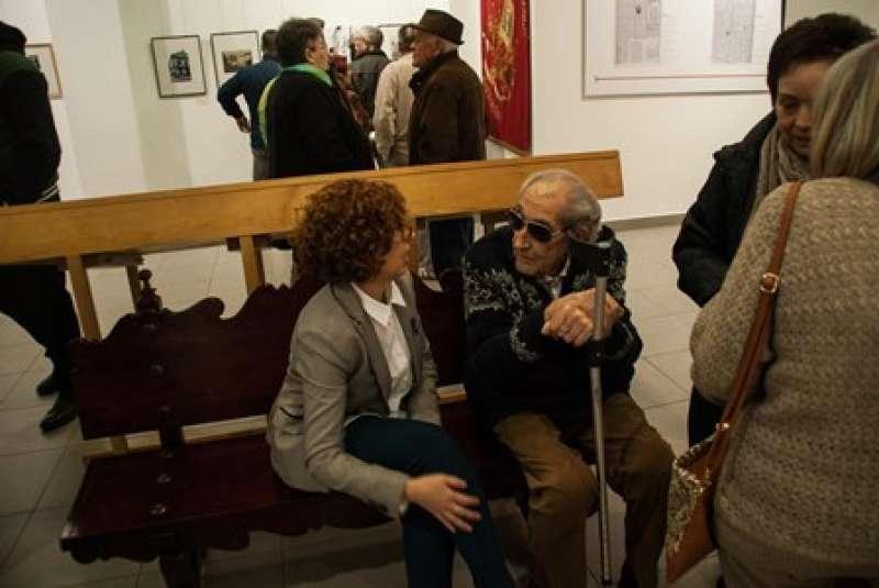 Salvador García conversa con Alicia Piquer. EPDA