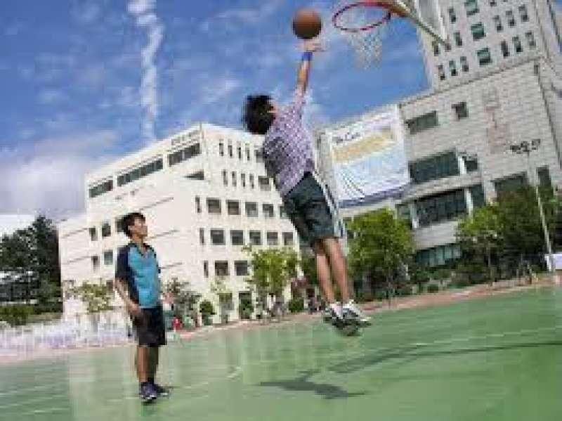 Jóvenes practicando deporte. EPDA