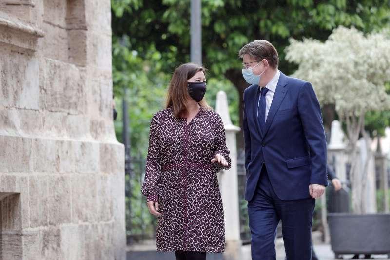 El president de la Generalitat, Ximo Puig, recibe nl el Palau a la presidenta de Baleares, Francina Armengol