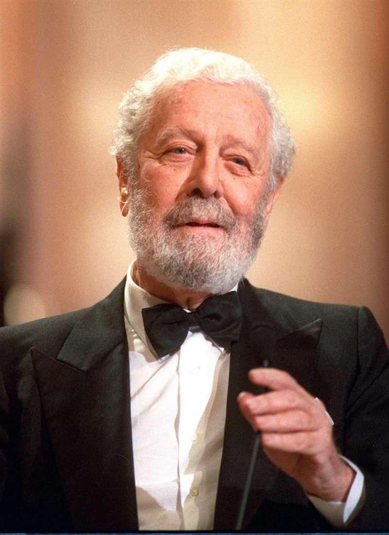 El director de cine Luis García Berlanga, en marzo de 1993. EFE/Barriopedro