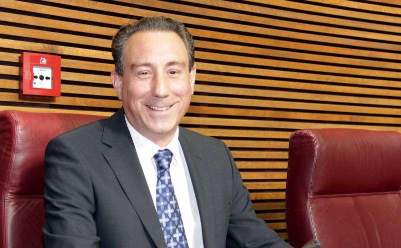 Miguel A. Guillén en las Cortes Valencianas