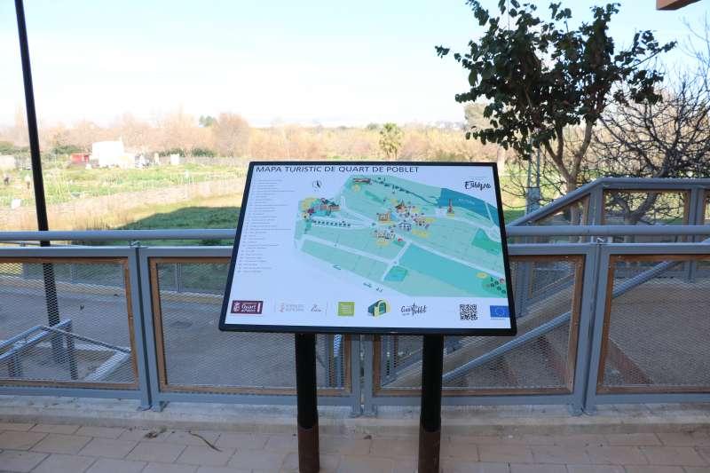 Panel sobre la ruta. EPDA
