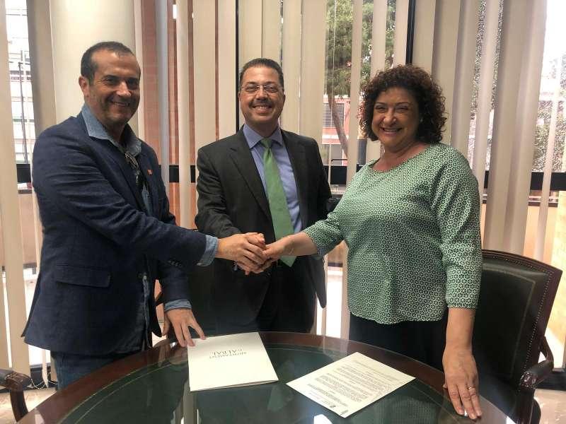 Firma del convenio SJMA