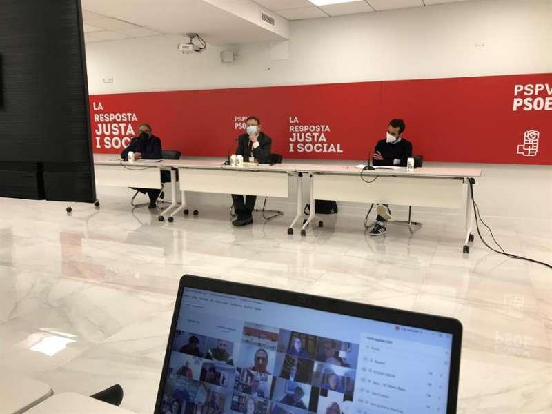 Imagen cedida por el PSPV-PSOE de la reunión celebrada este lunes del Consell Territorial del partido. EFE
