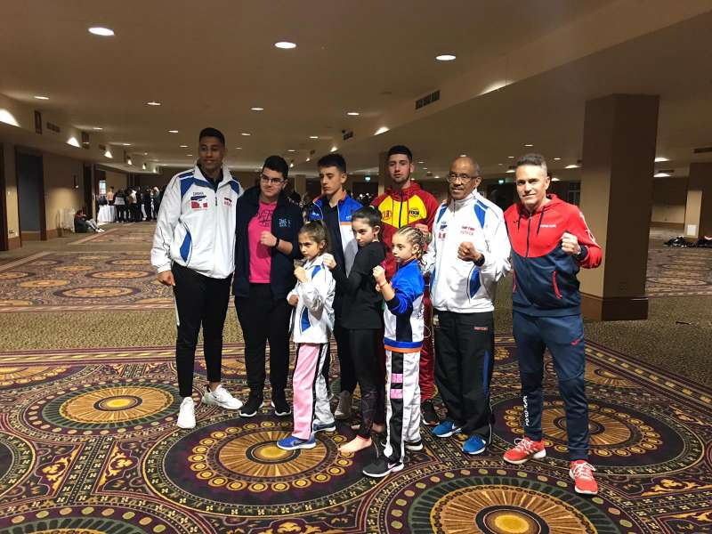 Equipo de deportistas utielanos en Campeonato Mundial Kickboxing