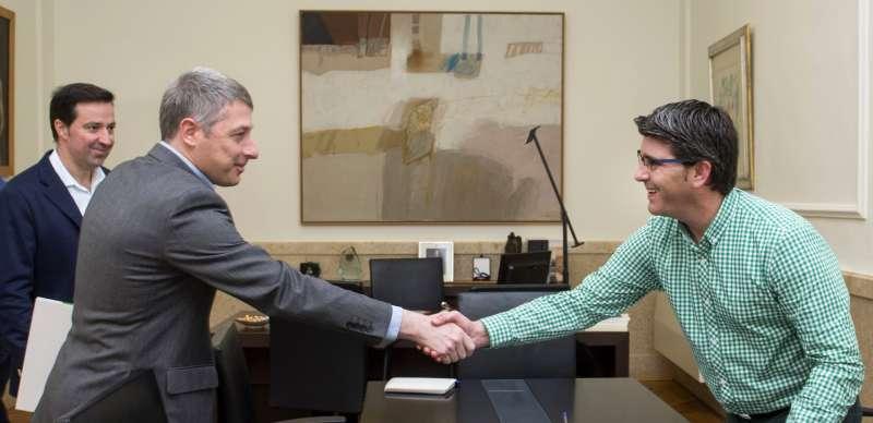 Jorge Rodríguez es reuneix amb els alcaldes d
