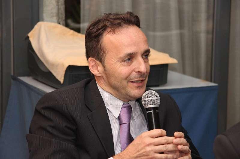 Héctor González
