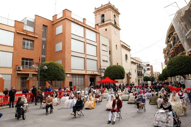 El Ayuntamiento de Mislata conmemora San José con los representantes de las comisiones falleras de la ciudad. EPDA