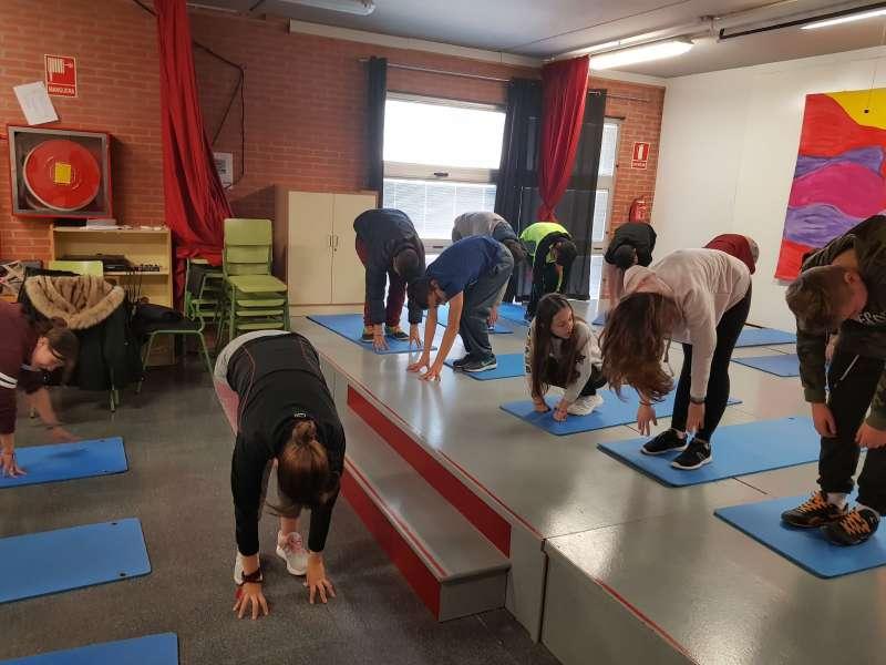 Moment de la pràctica de ioga a l