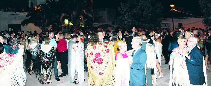 Participants del ball del mantó de Torres Torres. EPDA