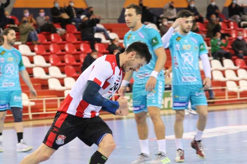 Uno de los últimos partidos disputados en el Ovni con público. Foto: Pepa Conesa.