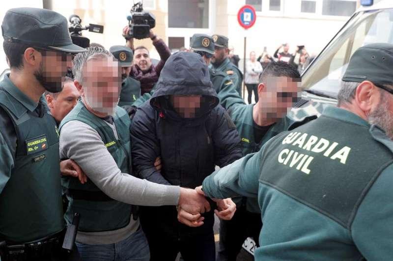 El sospechoso de la muerte de Marta Calvo, Jorge Ignacio P.J., de 38 años, a su llegada al Juzgado 6 de Alzira (Valencia). EFE