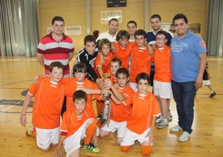 Equipo de fútbol sala participante en los Juegos Escolares. Foto: EPDA.