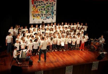 Durante cuatro días, más de un millar de escolares subirán al escenario del Centro Cultural para cantar y bailar canciones en valenciano. Foto: EPDA.