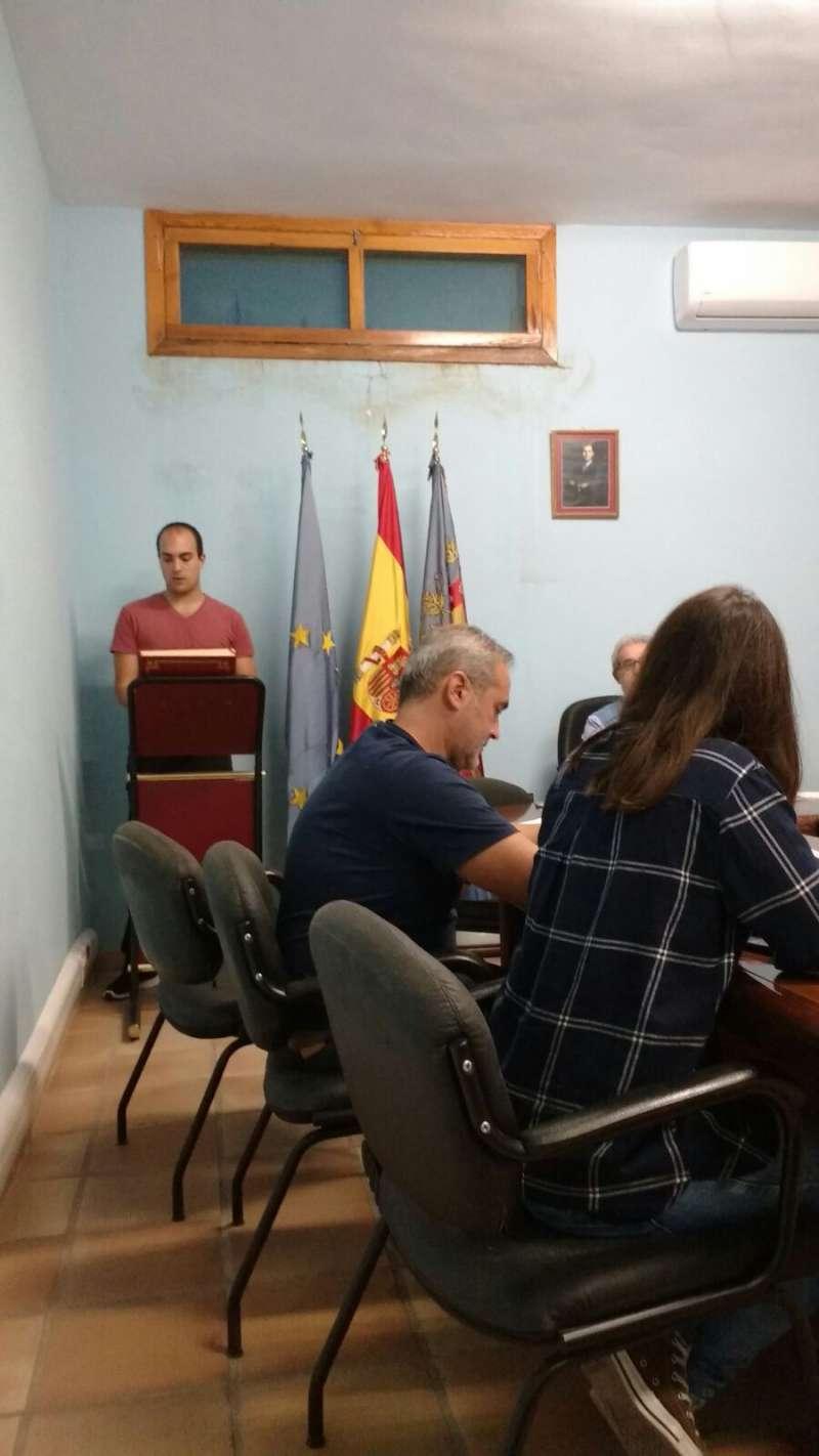 David Casas en la toma de posesión de su cargo como concejal del PP en el Ayuntamiento de Alfara de la Baronia. EPDA
