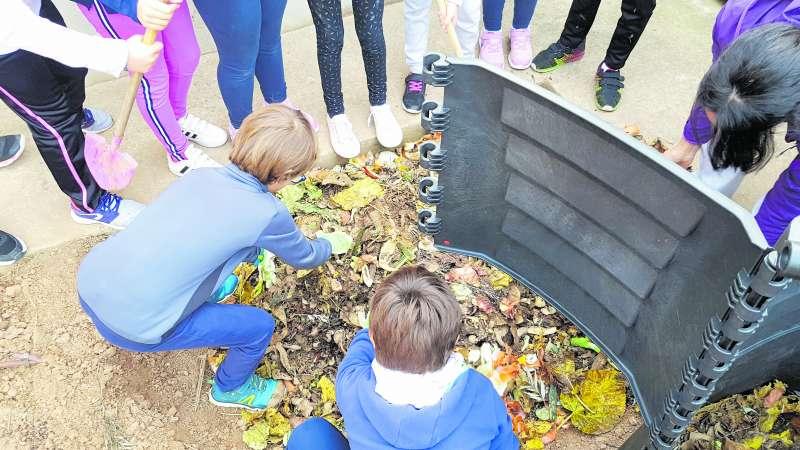 Proyecto del compostaje del CVI en un centro educativo