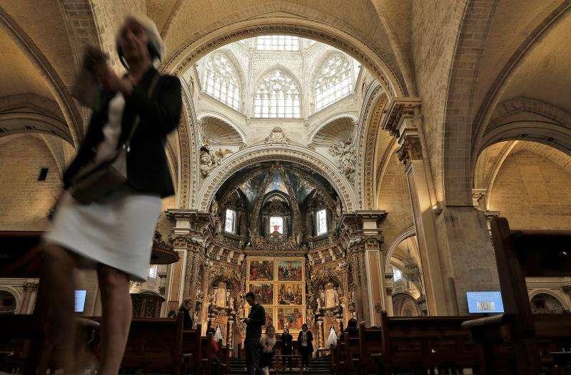 Interior de la catedral de València, en una imagen tomada hoy. EFE