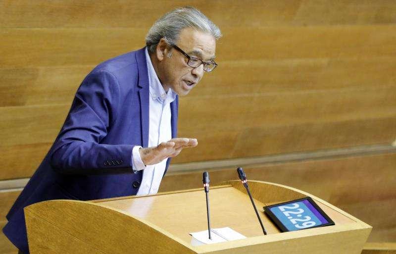 El portavoz del grupo parlamentario socialista, Manolo Mata, en Les Corts. EFE/Archivo