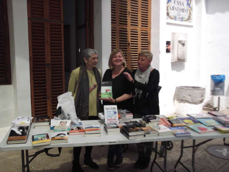Expositor de la Feria del Libro de Quartell. EPDA