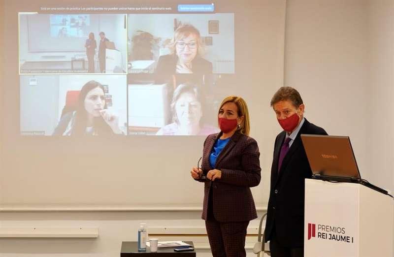 Un momento del coloquio en una fotografía facilitada por la Fundación Valenciana de Estudios Avanzados (FVEA).