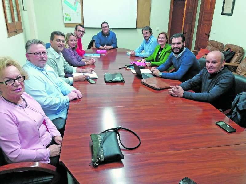 Reunión de la gestora del PP en Puçol. / epda
