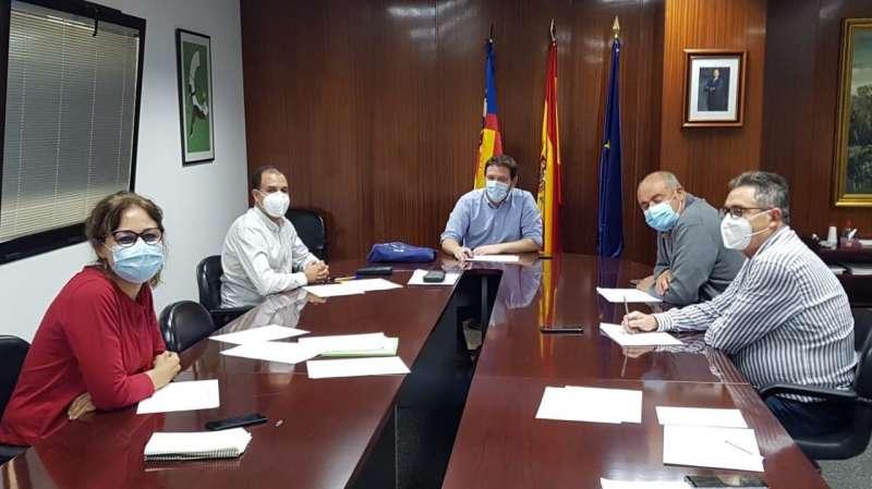 Representantes del Ayuntamiento y la Diputación. Foto: G. Ribes