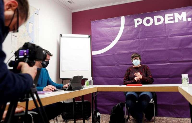 La coodinadora de Podem, Pilar Lima, durante una reunión de la formación. EFE
