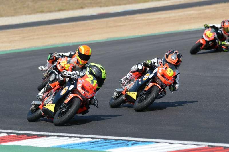 La segunda cita de la minivelocidad se disputa en el Circuito DR7, al que da nombre el apreciado piloto Dani Rivas. EPDA.