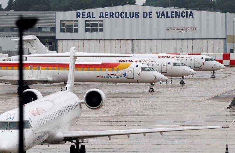 Algunos aviones de Air Nostrum durante una huelga de pilotos en 2018. EFE/Archivo