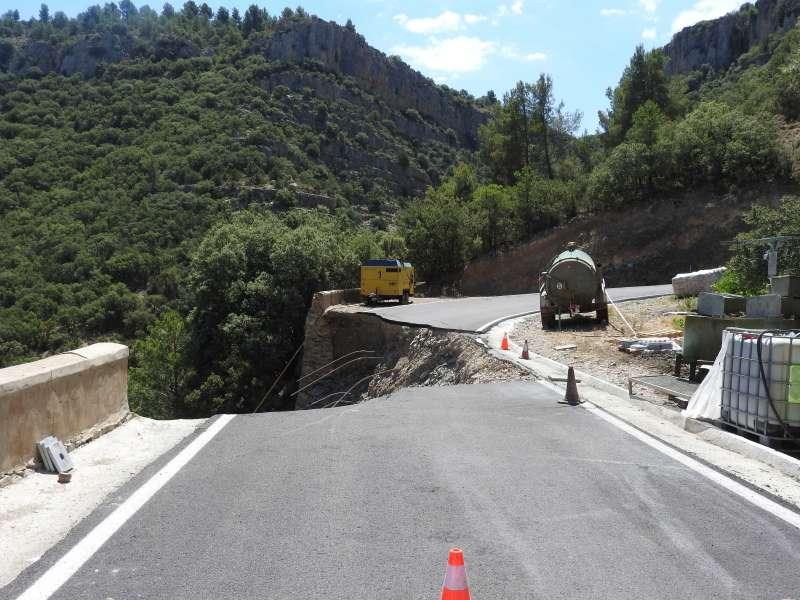 Carretera destruida