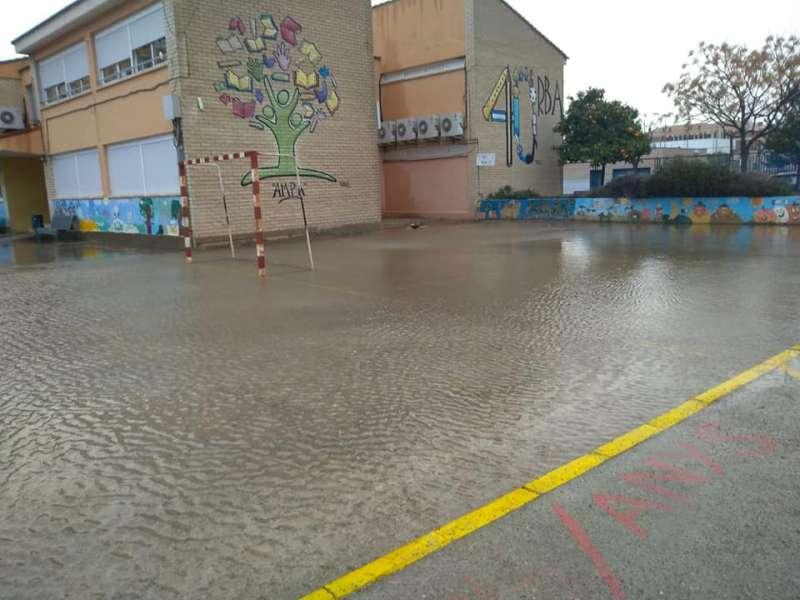 Patio inundado del CEIP Orba de Alfafar. EPDA