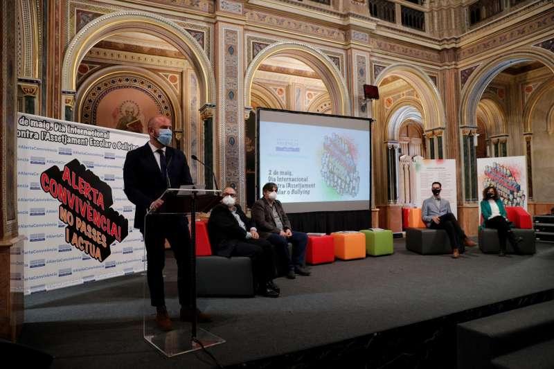 El presidente de la Diputación de Valencia, Toni Gaspar, durante la presentación este miércoles de la campaña de sensibilización contra el acoso escolar