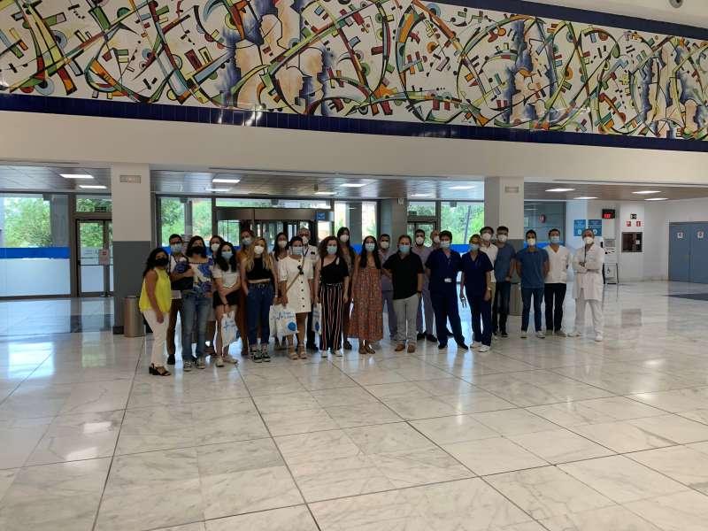 16 Médicos y Enfermeros Internos Residentes (MIR y EIR) que se incorporan a partir de hoy a la plantilla del Departamento de Salud. EPDA