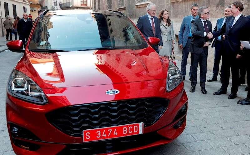 El modelo nuevo Kuga híbrido enchufable que va a fabricar Ford Almussafes (Valencia). EFE
