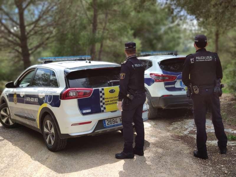 Agentes de la Policía Local de San Antonio. / EPDA