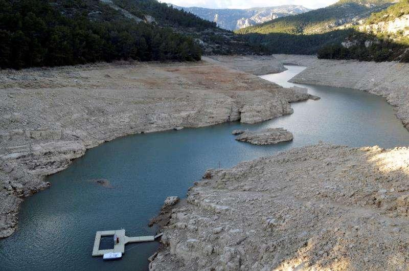 Imagen de archivo del embalse de Uldecona, en Castellón, perteneciente a la Confederación Hidrográfica del Júcar. EFE/Archivo