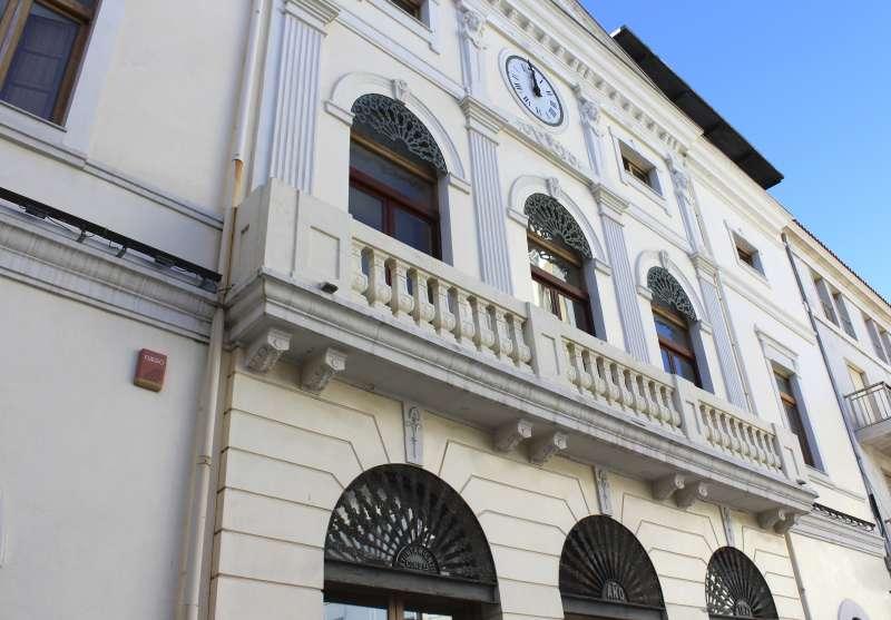 Façana Ajuntament de Tavernes.