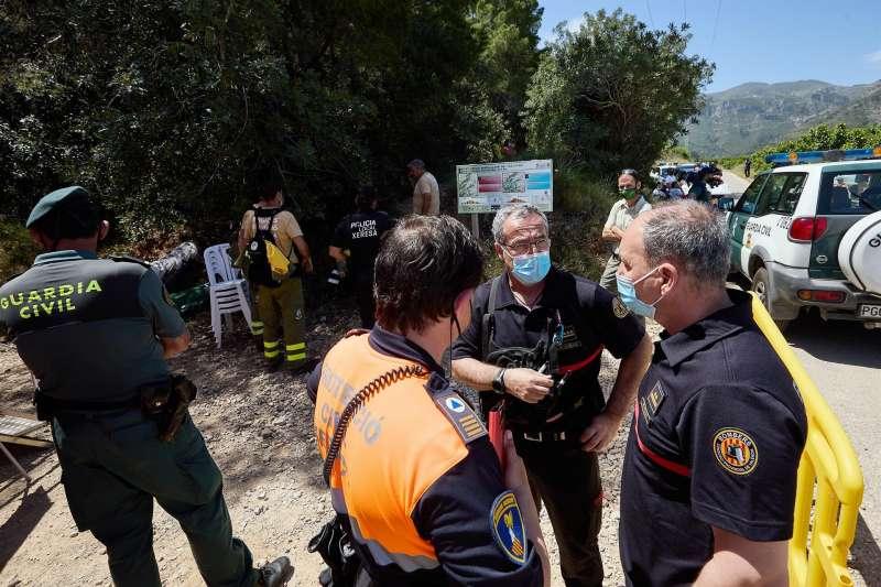 Imagen del operativo que se puso en marcha la semana pasada para localizar a un senderista desaparecido en Xeraco (Valencia), que finalmente fue encontrado fallecido. EFE/ Natxo Francés/Archivo