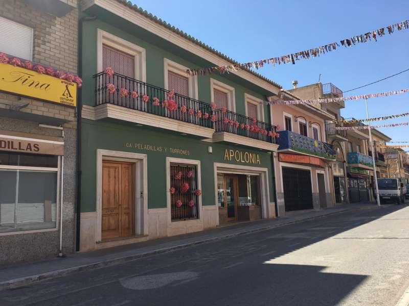 Avda. Valencia de Casinos, adornada. / EPDA