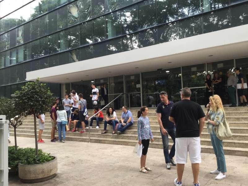 Alumnos, en la zona universitaria. EPDA
